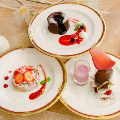 冬に食べたい!チョコやいちごを使った可愛らしいプチガトー