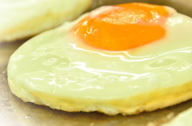 栄養たっぷりの太陽卵の目玉焼き